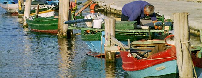 Ο ψαράς στη βάρκα