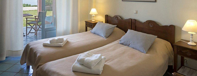 Zweibettzimmer mit Privatbadezimmer, Meerblick und Terrase, im Erdgeschoss
